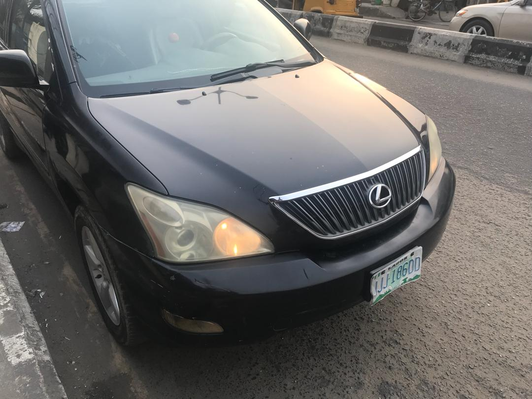 Pictures Of Cars For Sale In Nigeria 2005 Lexus Rx330 Interior Do You Know Can Get A Similar Car From The Us At An Attractive Price To Find Out How Contact Nairacardealers By Clicking Here